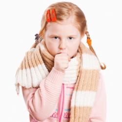 Ребенок кашляет ночью — причины, лечение